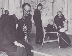 法隆寺金堂壁画再現事業の見学会(左手前)